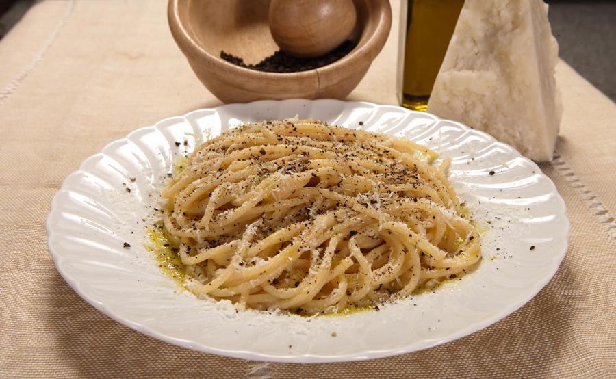 Ricetta Cacio E Pepe Benedetta Parodi.Spaghetti Cacio E Pepe Sedanoallegro