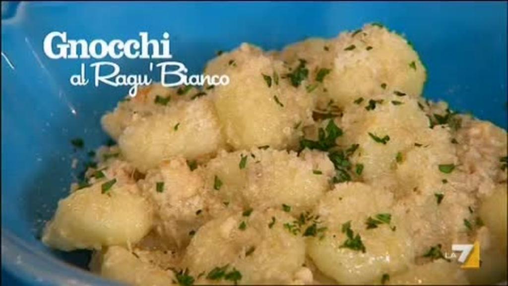 Ricetta Sugo Bianco Per Gnocchi.Gnocchi Al Ragu Bianco Sedanoallegro